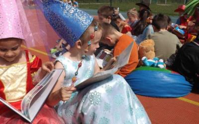 """Akcja ,,Jak nie czytam, jak czytam"""" w szkołach Gminy Iwanowice"""