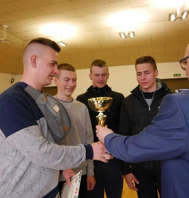 Sukces uczniów Gminnego Zespołu Szkół w Iwanowicach