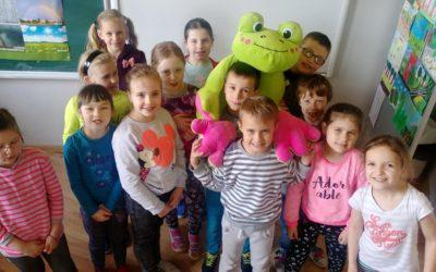Spotkanie uczniów ze S.P. w Widomej z żabą MeLą