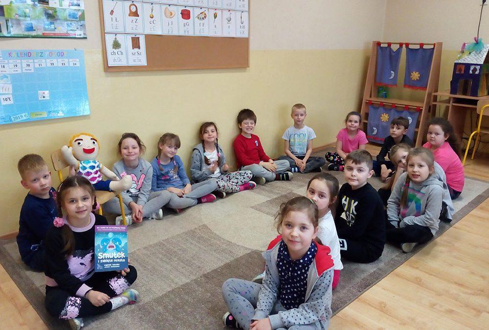 Realcja z odwiedzin Emocjusza w Szkole Podstawowej im. św Franciszka z Asyżu w Poskwitowie.