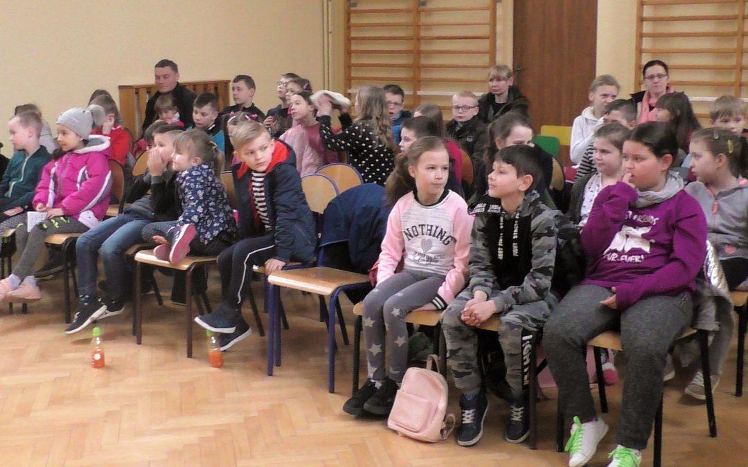 Spotkanie z gadami w Iwanowickim Uniwersytecie Dziecięcym.