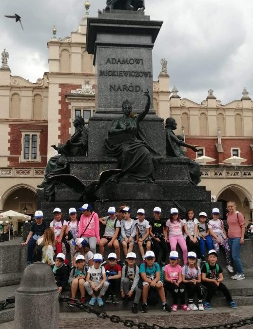 I Turnus półkolonii w Gminnym Centrum Kultury i Bibliotek w Iwanowicach