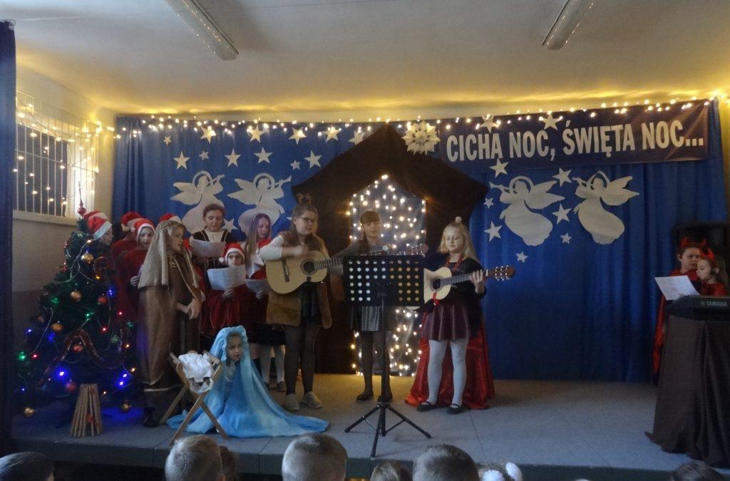 Wigilia w szkole w Sieciechowicach