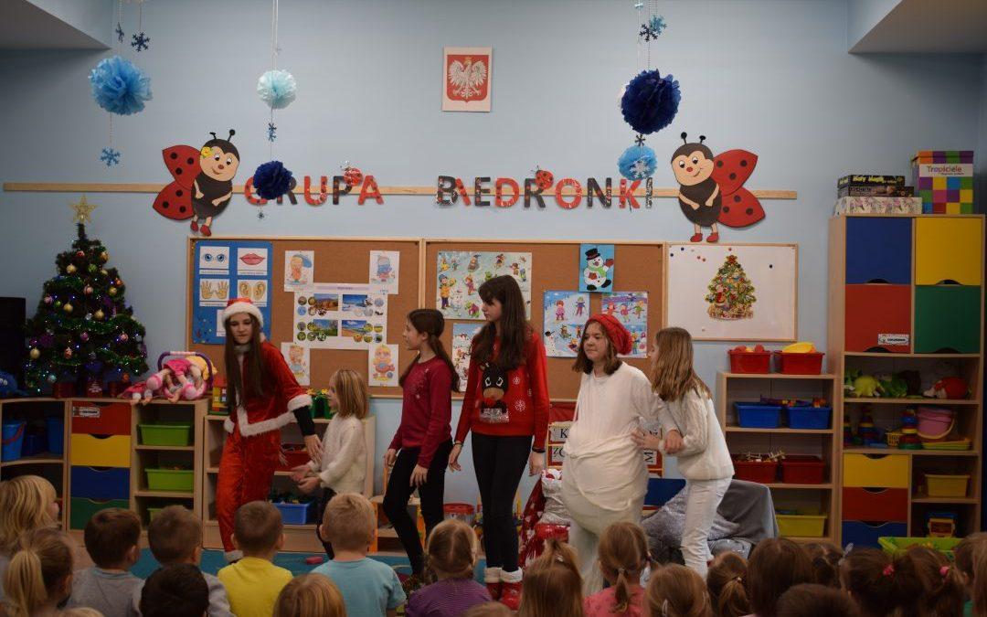 Przedstawienie mikołajkowe dla dzieci