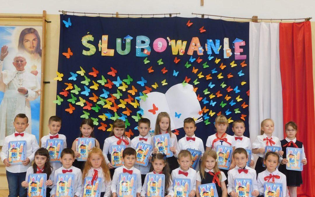 Ślubowanie pierwszoklasistów z SP Iwanowice – 2020/2021